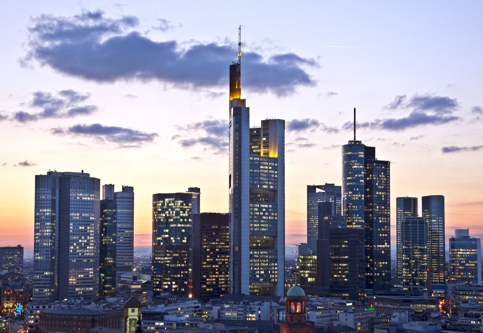 Frankfurt skyline: with blockchain there is no longer a need for intermediaries