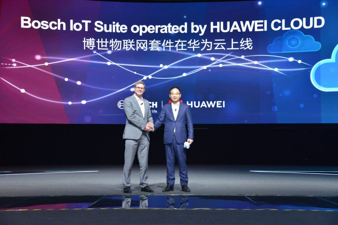 Stefan Ferber, CEO of Bosch Software Innovations and Zheng Yelai, the vice president of Huawei and president of Huawei Cloud BU, onstage at Huawei Connect 2018.
