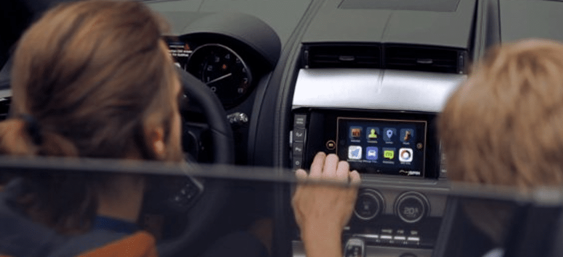 integrate smartphones into vehicles